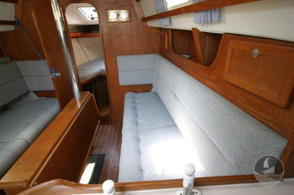 Hunter Channel 32 The starboard settee with the table stowed -