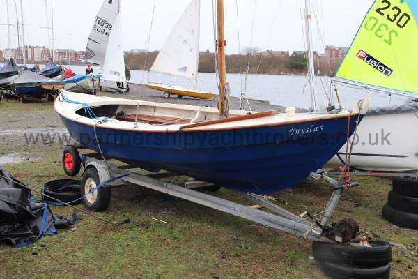 Home built Shetland Skiff Starboard bow view -