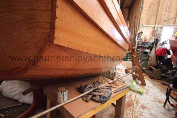 Devon Lugger 18 ft Wooden Classic  - waterline view