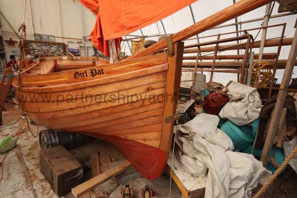 Devon Lugger 18 ft Wooden Classic  - starboard bow view