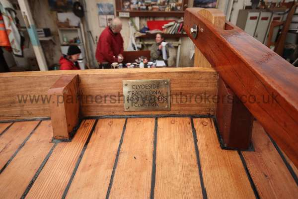 Devon Lugger 18 ft Wooden Classic  - builders plate
