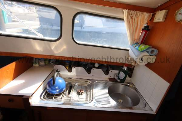 Hardy 25 Hardy 25  - saloon view looking aft