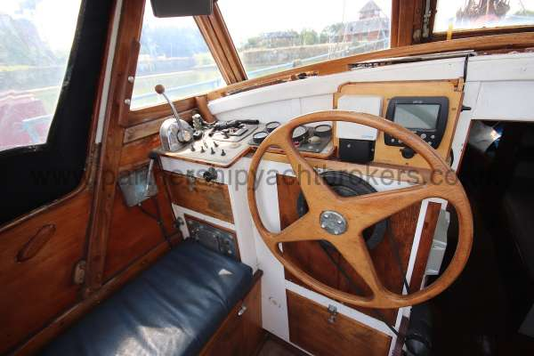 Hillyard 16 Ton Hillyard 16 Ton  - the helm