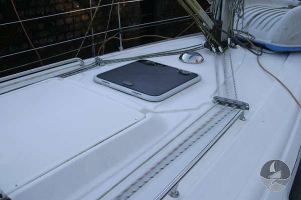 Bavaria 36 Deck view - All control lines led aft