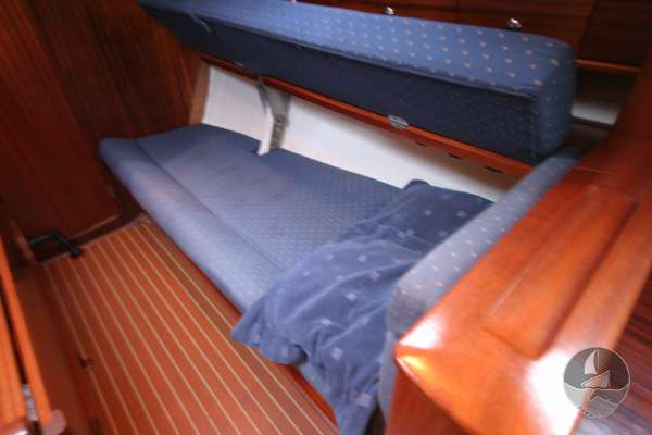 Bavaria 36 The settee berths can be extended - Much more room