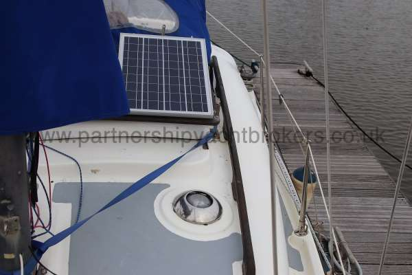 Leisure 23 Leisure 23 - port side deck looking aft