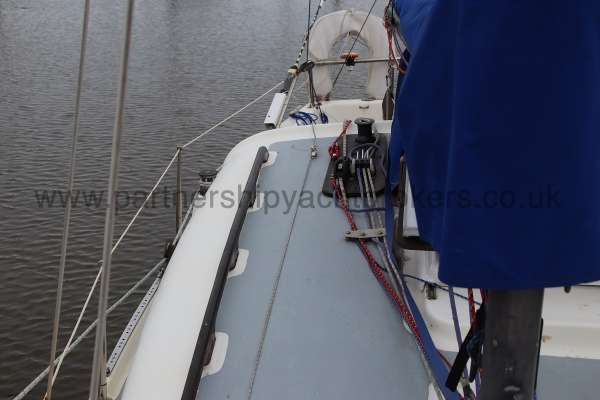 Leisure 23 Leisure 23 - starboard side looking aft