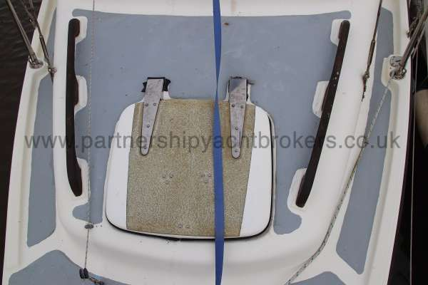 Leisure 23 Leisure 23 - fore hatch
