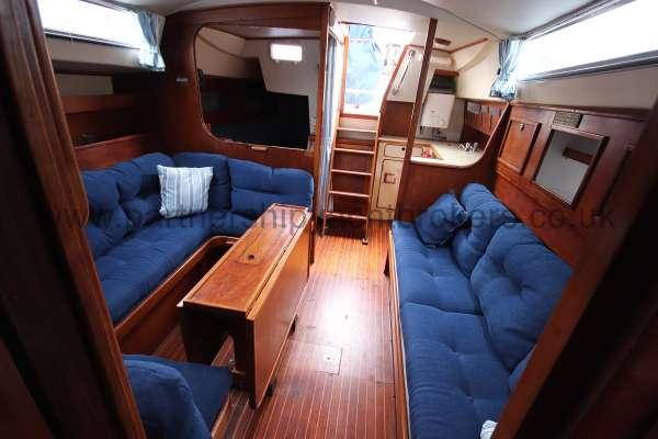 Moody 33S Moody 33S - The saloon looking aft