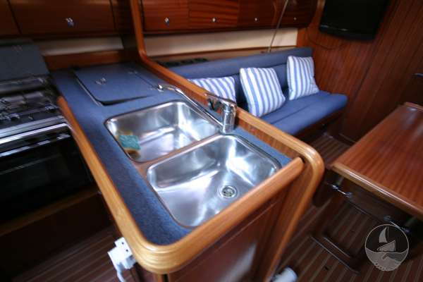 Bavaria 36 The twin galley sinks -