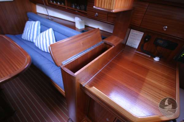 Bavaria 36 The chart table and bottle store -