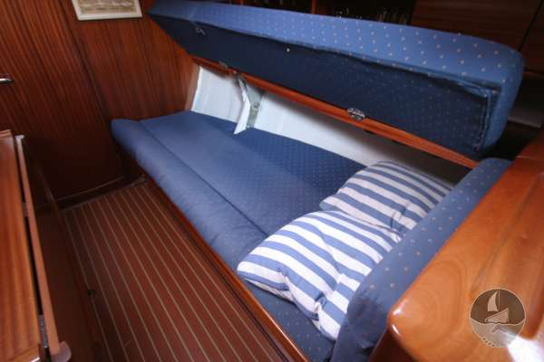 Bavaria 36 The starboard settee - Backrest lifts to create berth