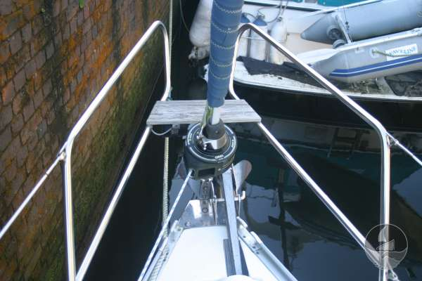 Bavaria 36 The pulpit and furling gear -
