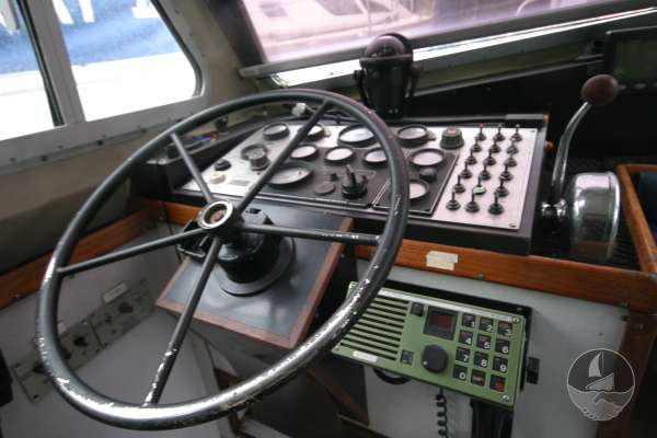 Nelson 35 The helm position -
