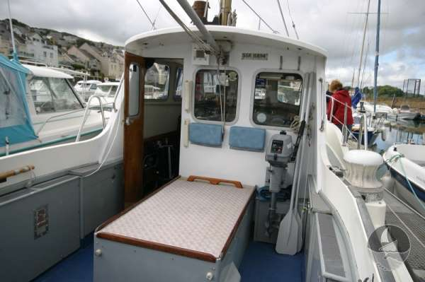 Newhaven Sea Warrior the wheelhouse and engine compartment -