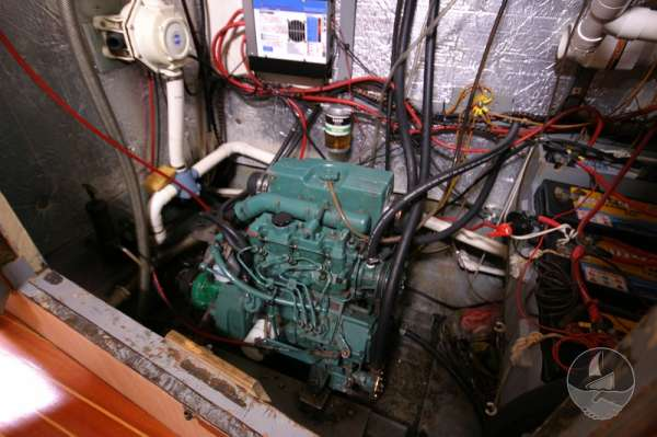 Sea Trader 41 The engine compartment -