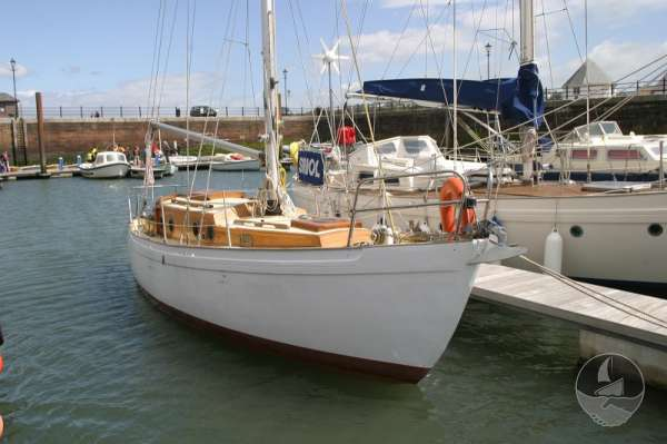 Vertue Classic Wooden Yacht for sale