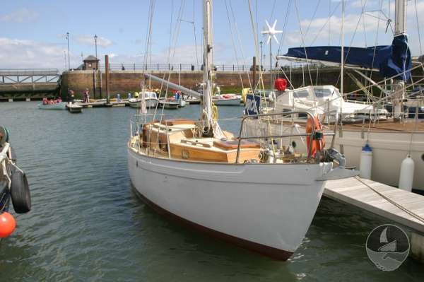 Vertue Classic Wooden Yacht Starboard bow view -