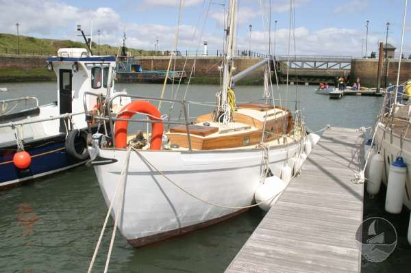 Vertue Classic Wooden Yacht port bow view -