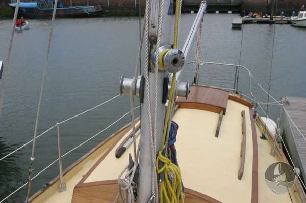 Vertue Classic Wooden Yacht Mast detail -
