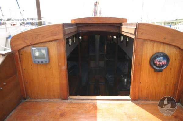Vertue Classic Wooden Yacht the main hatch -