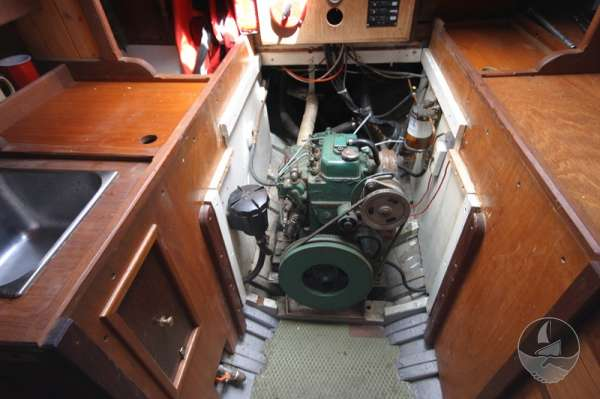 Vertue Classic Wooden Yacht The engine -