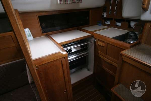 Westerly Fulmar 32 the galley -
