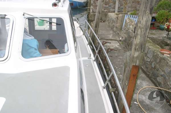Aquastar 33 Port side deck looking aft -