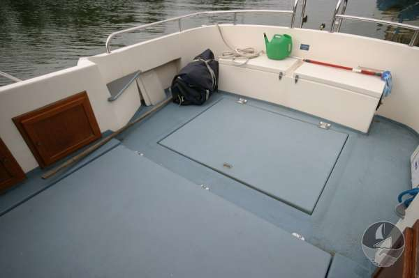 Aquastar 33 The quarter deck -