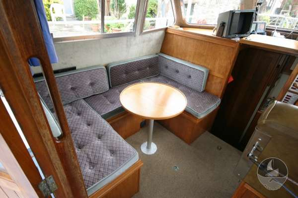 Aquastar 33 The saloon -