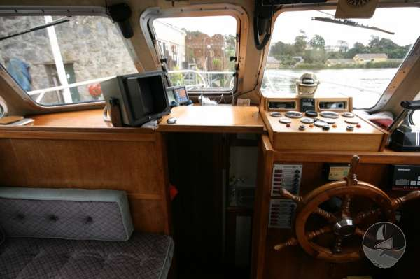 Aquastar 33 Saloon view -