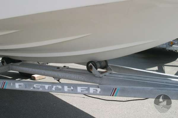 Fletcher Arrowsport 16 Bravo Classic waterline detail -