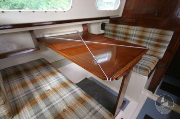 Snapdragon 29 The saloon table - Converts to a double berth