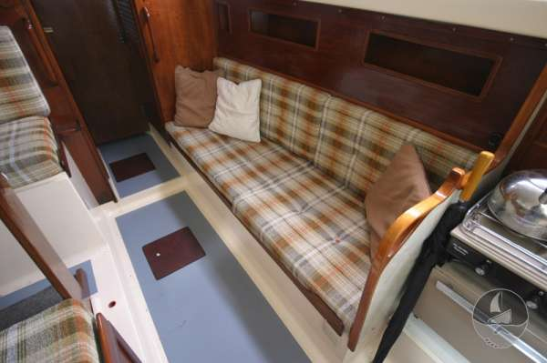 Snapdragon 29 The starboard settee -