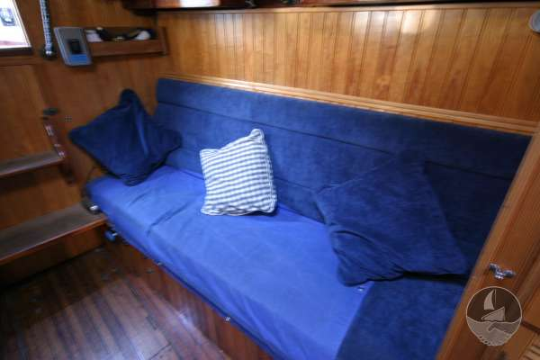 Wooden Classic 34 Starboard settee -