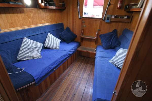 Wooden Classic 34 The saloon looking aft -