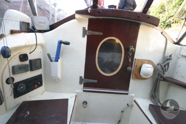 Wooden Classic 34 Cockpit view -