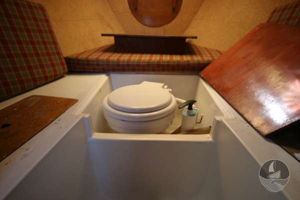 Hurley 22 The toilet  under the forward berth -