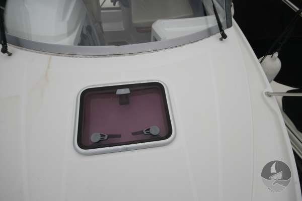 Beneteau Antares 680 The fore hatch -