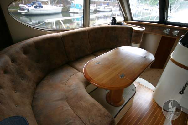 Elling E3 Executive Specification The deck saloon seating -
