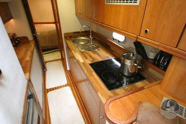 Elling E3 Executive Specification The galley -
