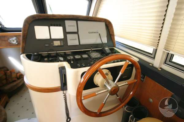 Elling E3 Executive Specification The helm position -