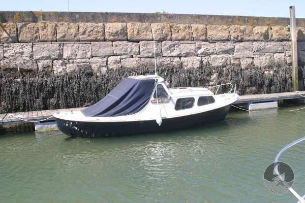 Myra Plast 21 Alongside her berth -