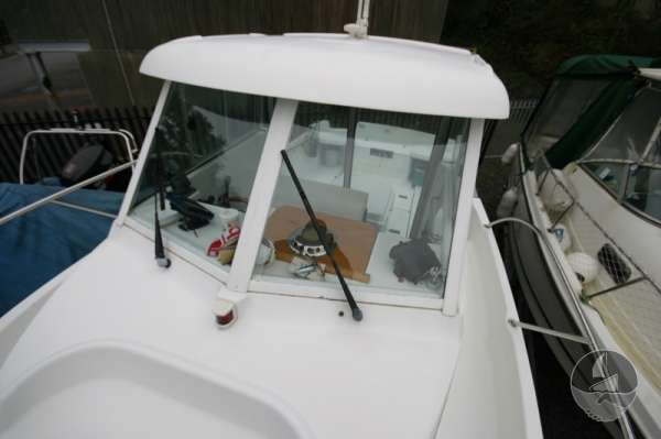 Beneteau Antares 620 The wheelhouse - Good shelter and visibility