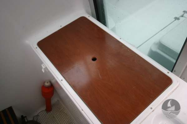 Beneteau Antares 620 Sink with cover in place -