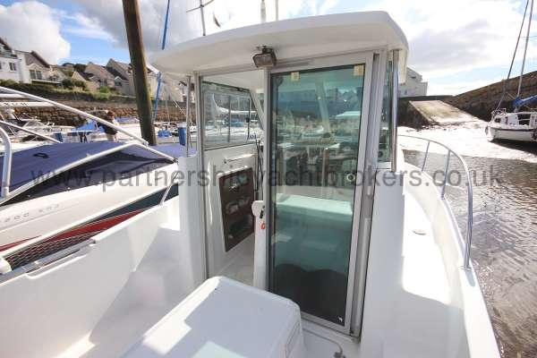 Beneteau Antares 620 Entrance to wheelhouse -