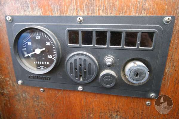 Keyhaven Yawl the engine control panel -