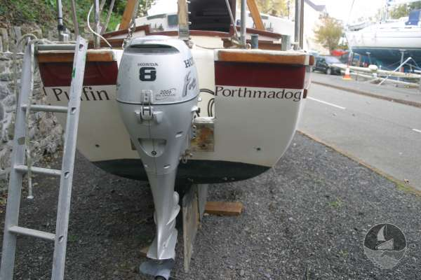 Westerly 22 Stern view and engine -