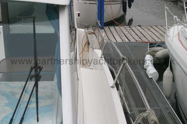 Beneteau Antares 760 Starbaord side deck - looking forward