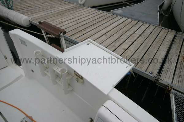 Beneteau Antares 760 The after deck  - Bait table